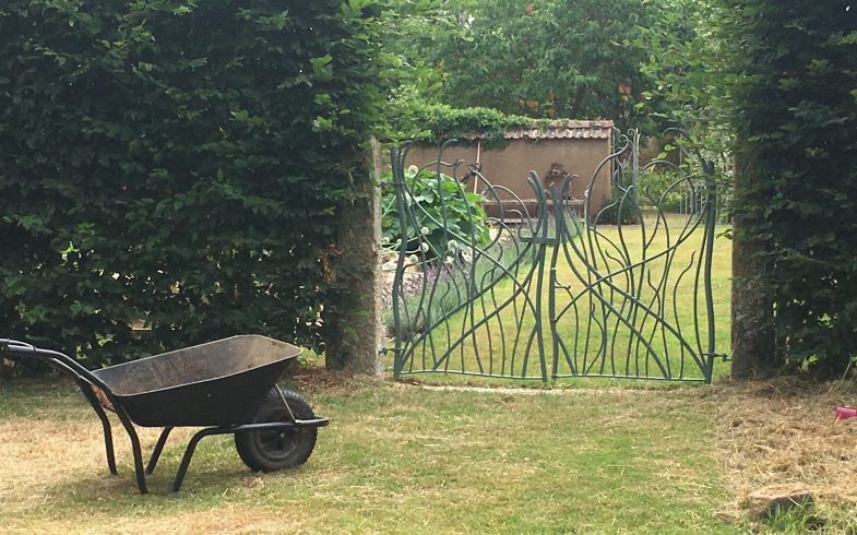 Who to choose? a Horticulturist, a Landscaper, a Garden Designer?